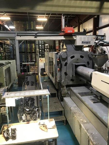Nissei Used FV9200-600L Injection Molding Machine, 946 US ton, Yr. 1999, 201 oz.