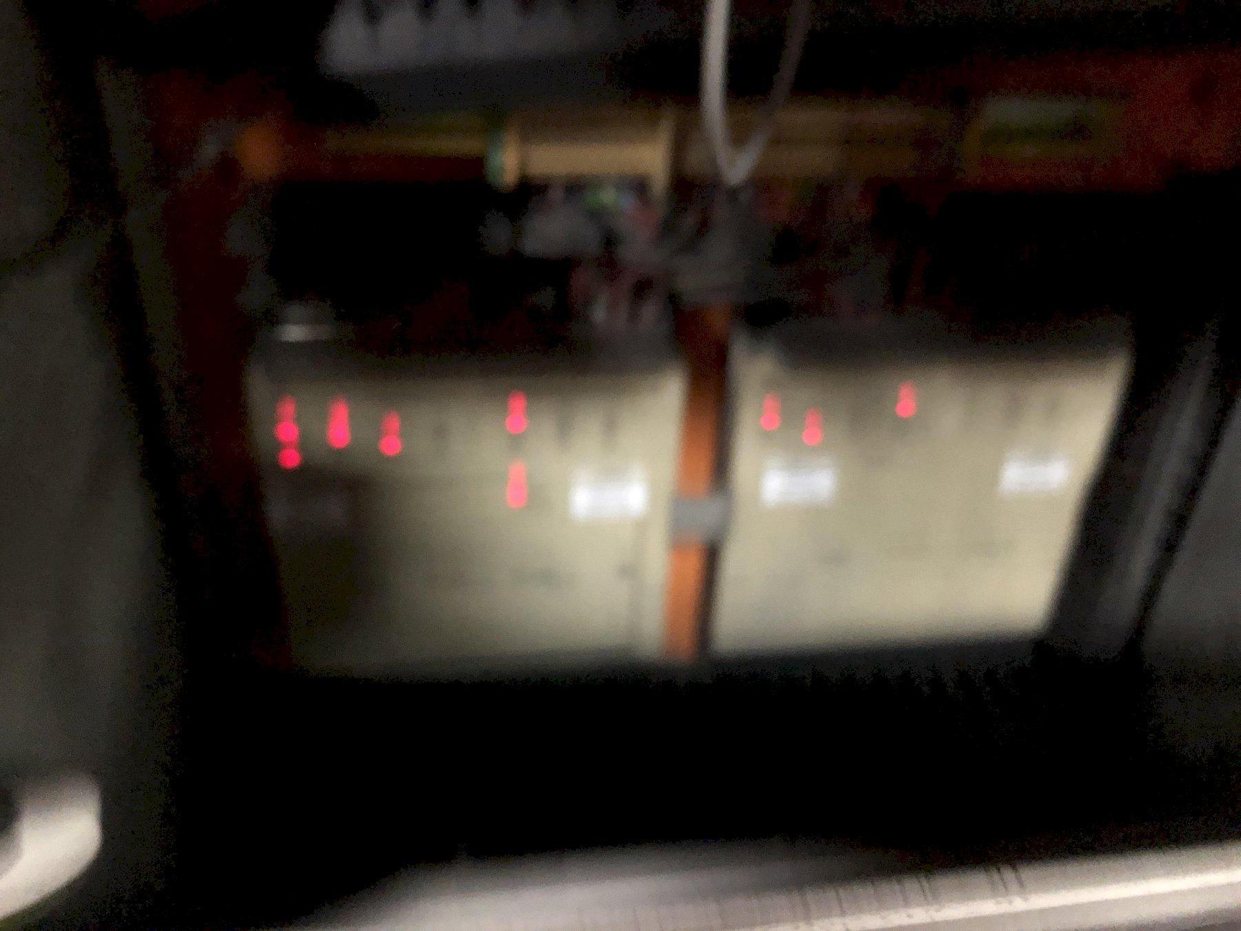 BMM MODEL QJS 222 MOLDING MACHINE WITH CONTROLS S/N DH11259
