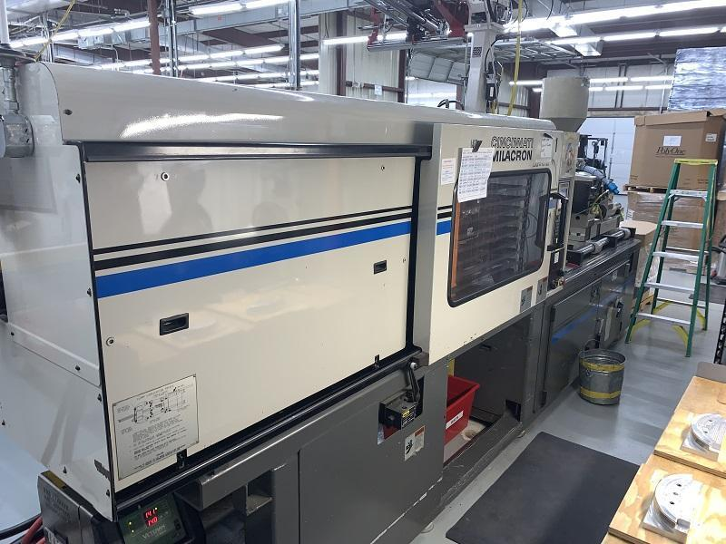 Cincinnati Milacron Used VT-220 Injection Molding Machine, 220 US ton, Yr. 1997, 20 oz.