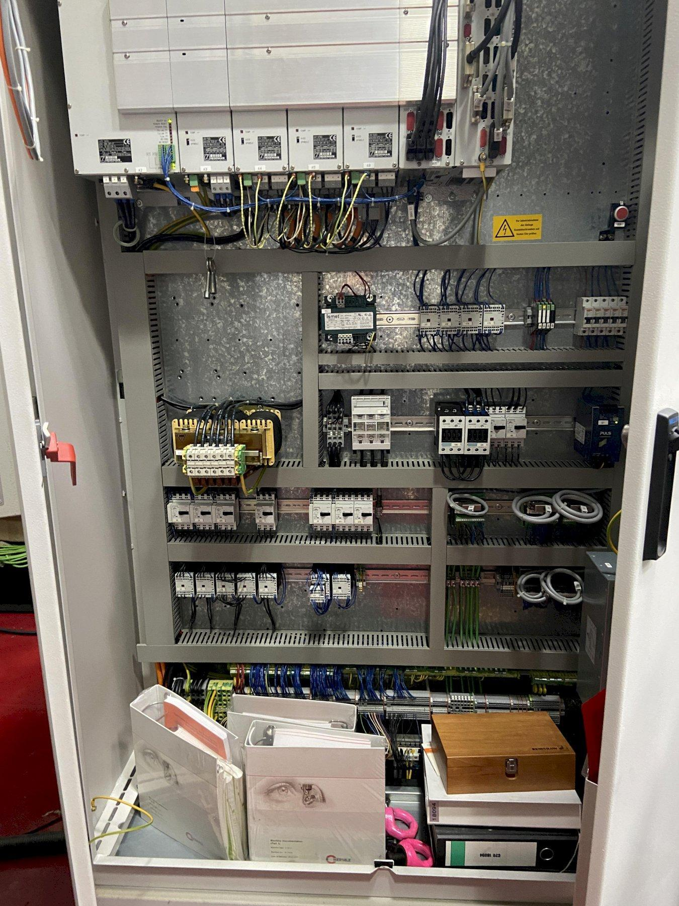 "Hermle C20U 5-Axis CNC Vertical Machining Center, Heidenhain TNC530, 11"" Table Dia, 24""/18""/18"" Travels, 18K Spindle, 30 ATC, Probe, Chiller, 54 HP, 2007"