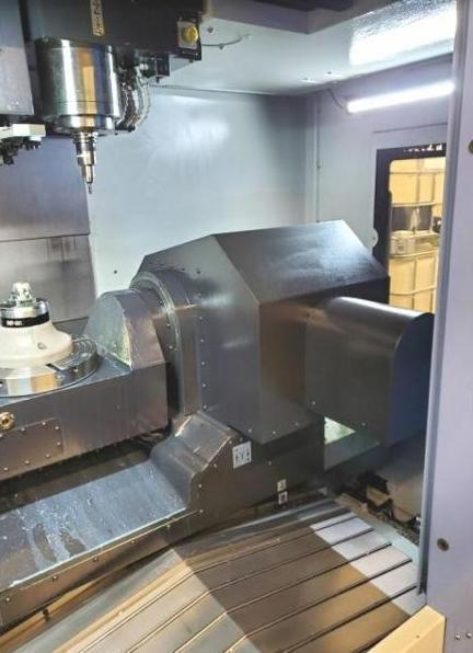 Doosan DNM-350 5-Axis Vertical Machining Center