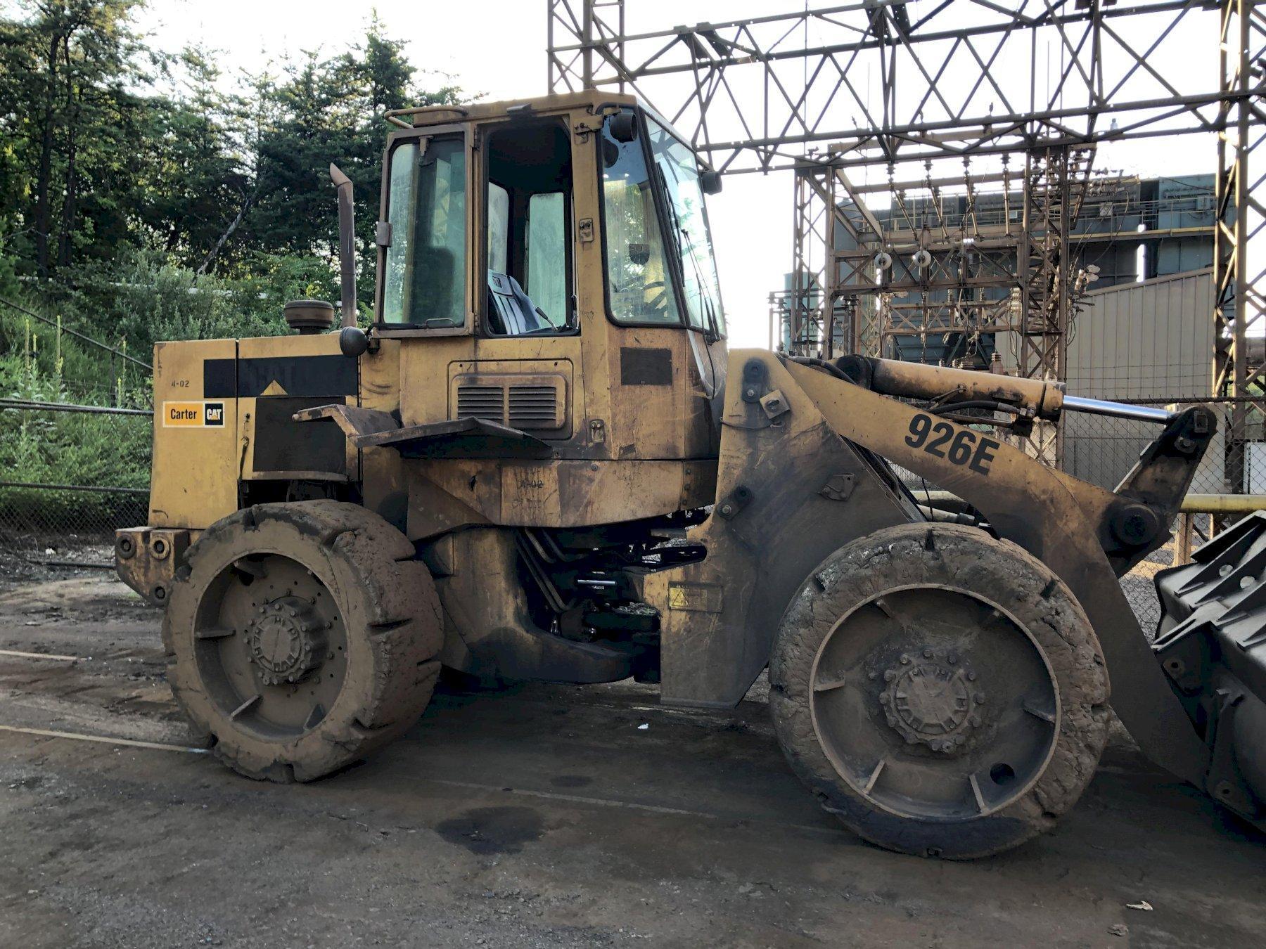 Loader CAT model 926e articulating loader  s/n 94z03925, hard tires, 2.5 cu ft bucket, enclosed cab, backup camera, 13979 hours