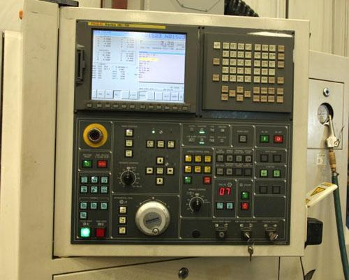 DAEWOO DOOSAN PUMA 240MSB w/ Live Tooling & Sub Spindle, Fanuc 18T CNC, SMW Space Saver Barfeeder, Live Tooling, Sub-Spindle, 2006.