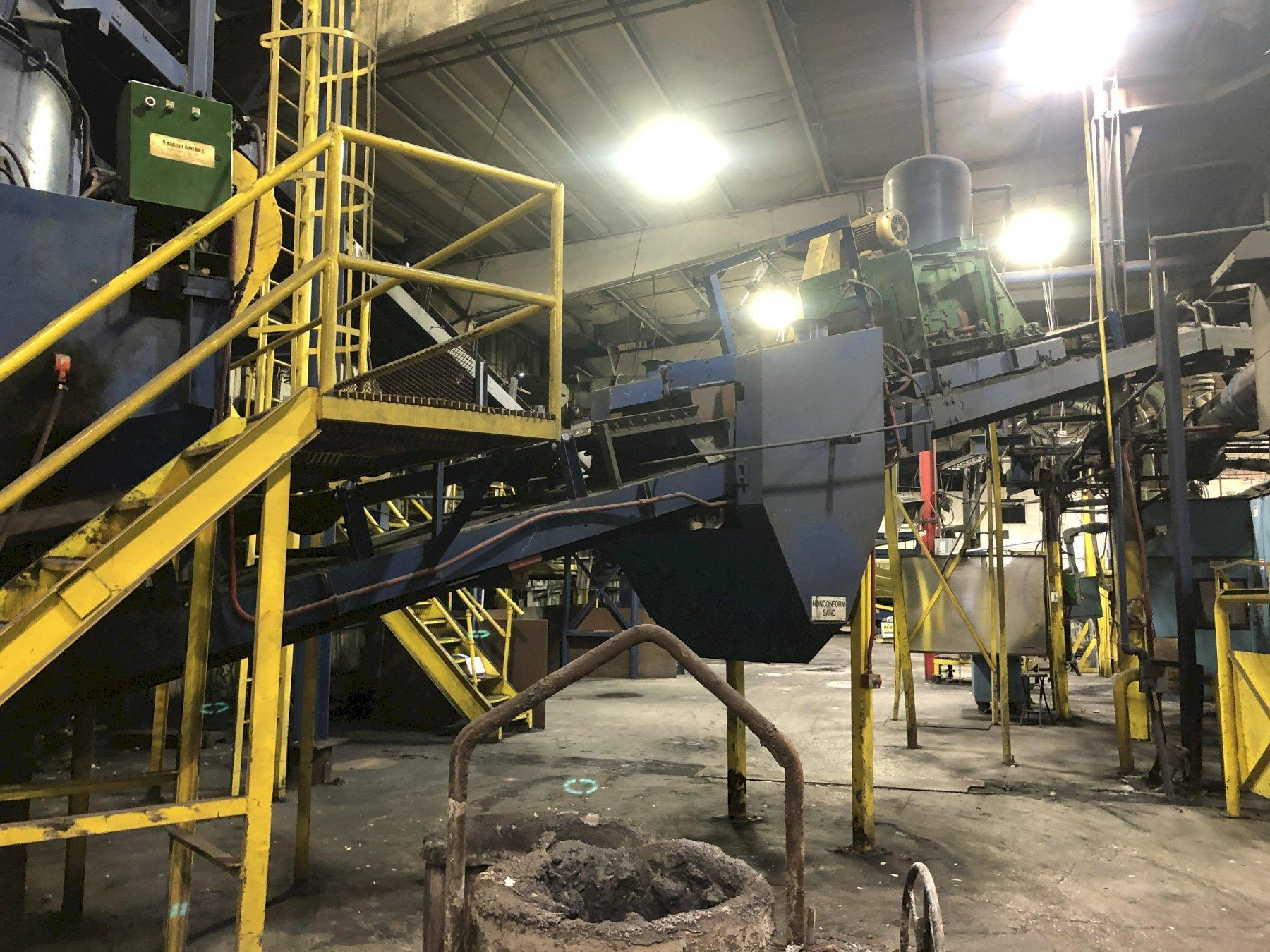 MULLER DISCHARGE BELT CONVEYOR WITH DRIVE AND BELT AERATOR