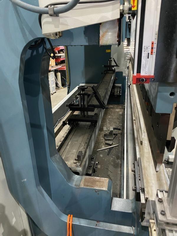 2019 Durma ADR 40220, 13' x 242 Ton, CNC Hydraulic Press Brake
