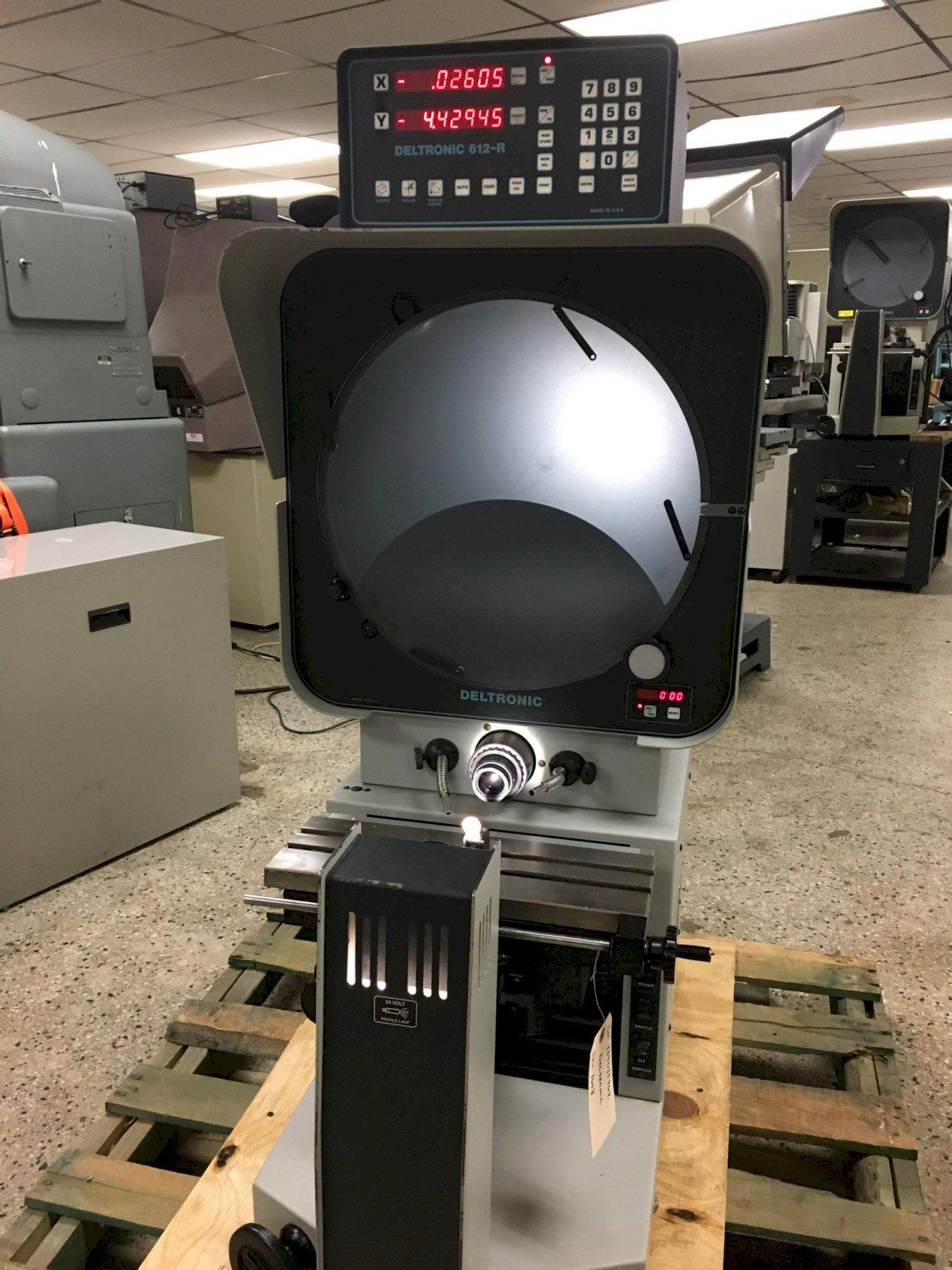 Deltronic Model DH216 Bench Top Optical Comparator, S/N 389085962.