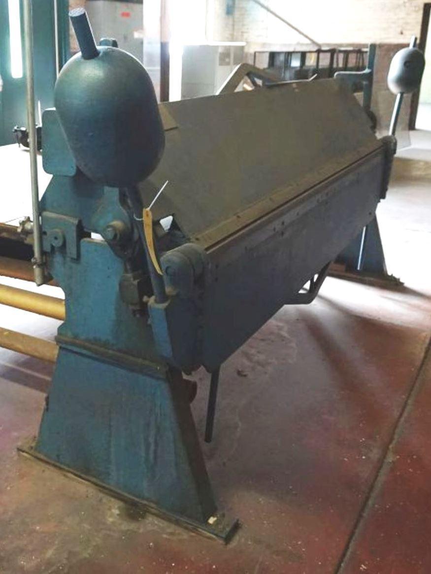 12 Ga. x 8' DREIS & KRUMP Hand Brake No. SO-812, Floor Model