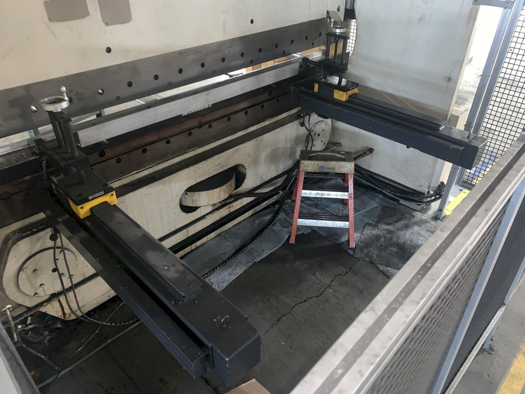 175 TON X 10' CINCINNATI MODEL #175-FMII FORM MASTER HYDRAULIC CNC PRESS BRAKE WITH UPGRADED TOUCHSCREEN CONTROLS. STOCK # 1801620