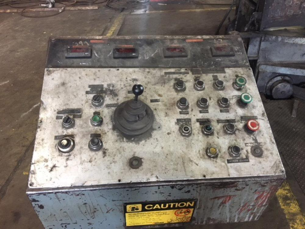 "10' x 2 5/8"" Bertsch Hydraulic Initial Pinch Plate Roll"