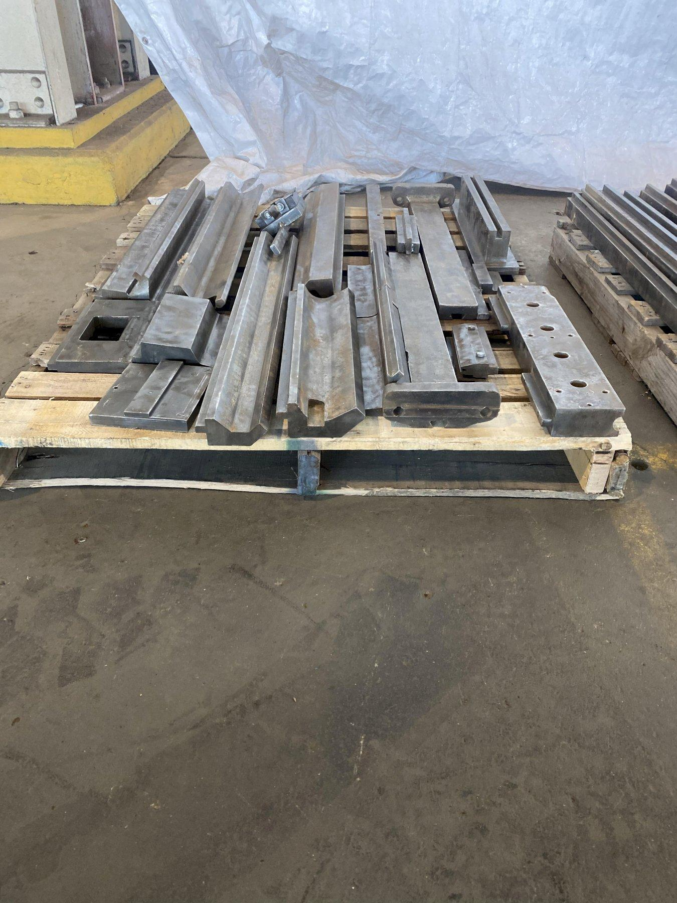 PRESS BRAKE TOOLING ON PALLET. STOCK # 0206121