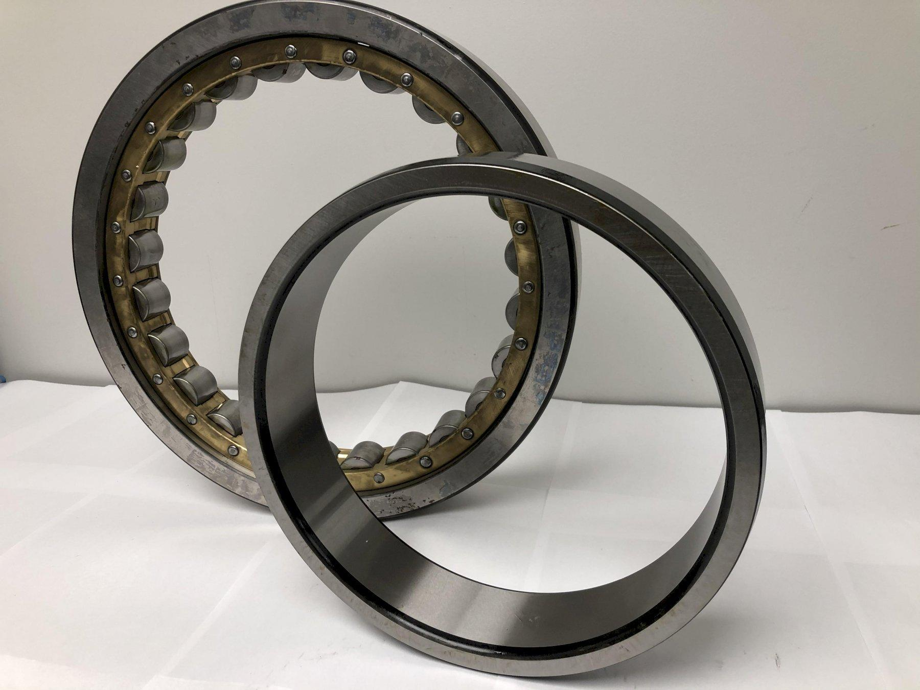 NSK RC-25 MODEL NU1052 COMPLETE CYNDRICAL BEARING: STOCK #14297