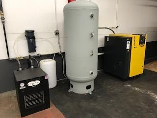 Like new 15 Hp Kaeser SK 15 with Air Tank & Refrigerated air dryer