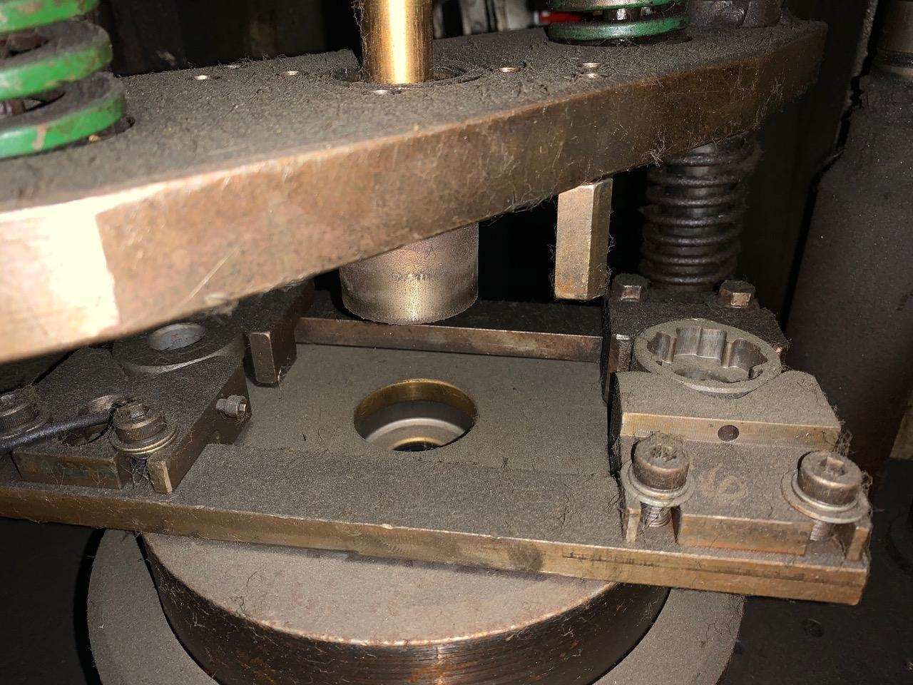 Aida Knuckle-Joint Press Model K-250 Machine