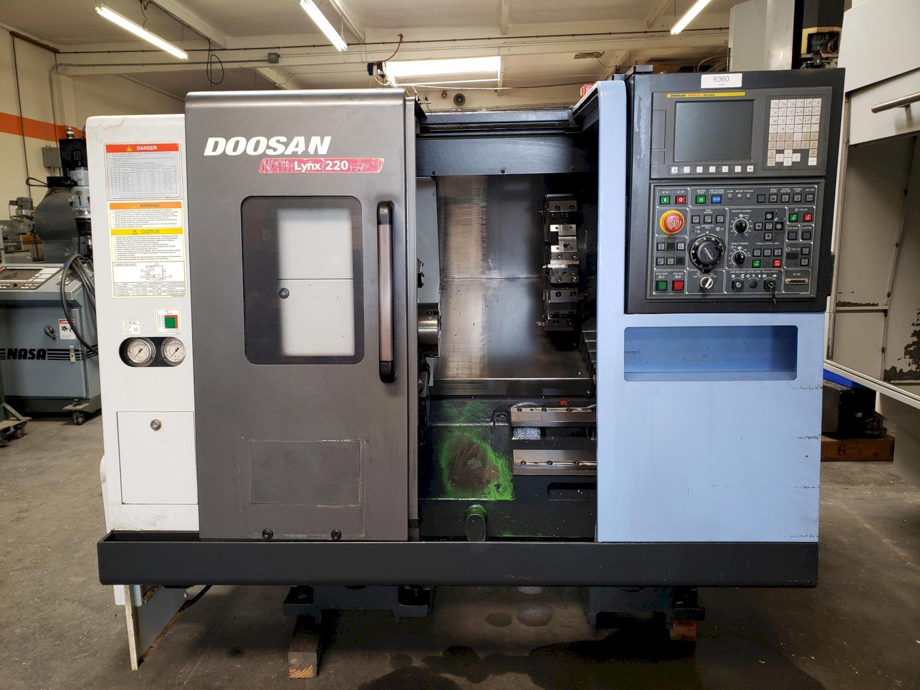Doosan Lynx 220A CNC Lathe 2014 with: Fanuc i Series CNC Control, 6