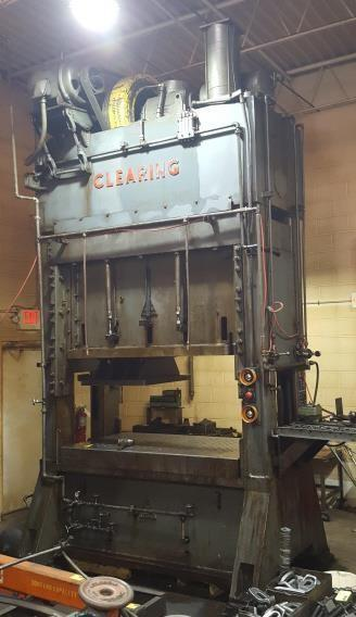 200 TON CLEARING MODEL S2-200-72-36 STRAIGHT SIDE SSDC STAMPING PRESS: STOCK #12979