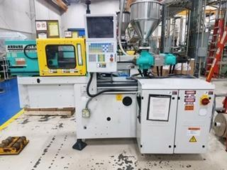 Arburg Used 221K250 Injection Molding Machine, 28 US ton, Yr. 2005, 2.3 oz.