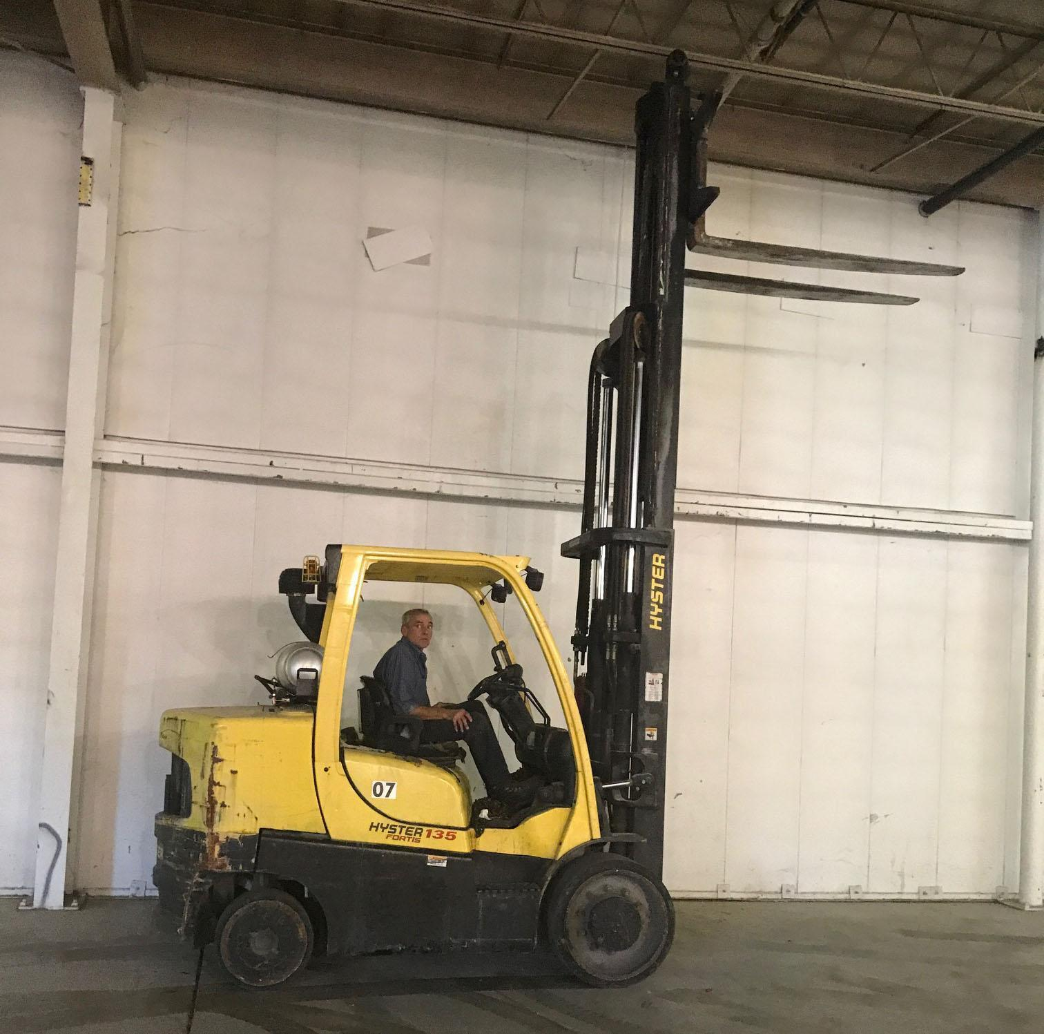 13,500 LBS HYSTER LP GAS FORKLIFT: STOCK #69368