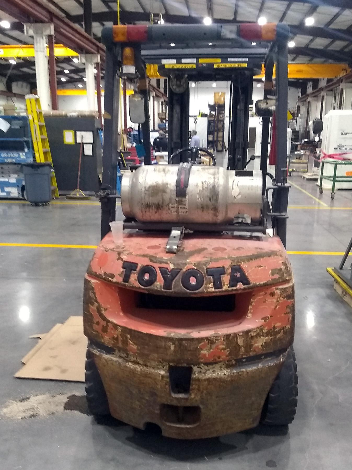 USED, 4,500 LB. CAPACITY TOYOTA MODEL 7FGU25 FORKLIFT