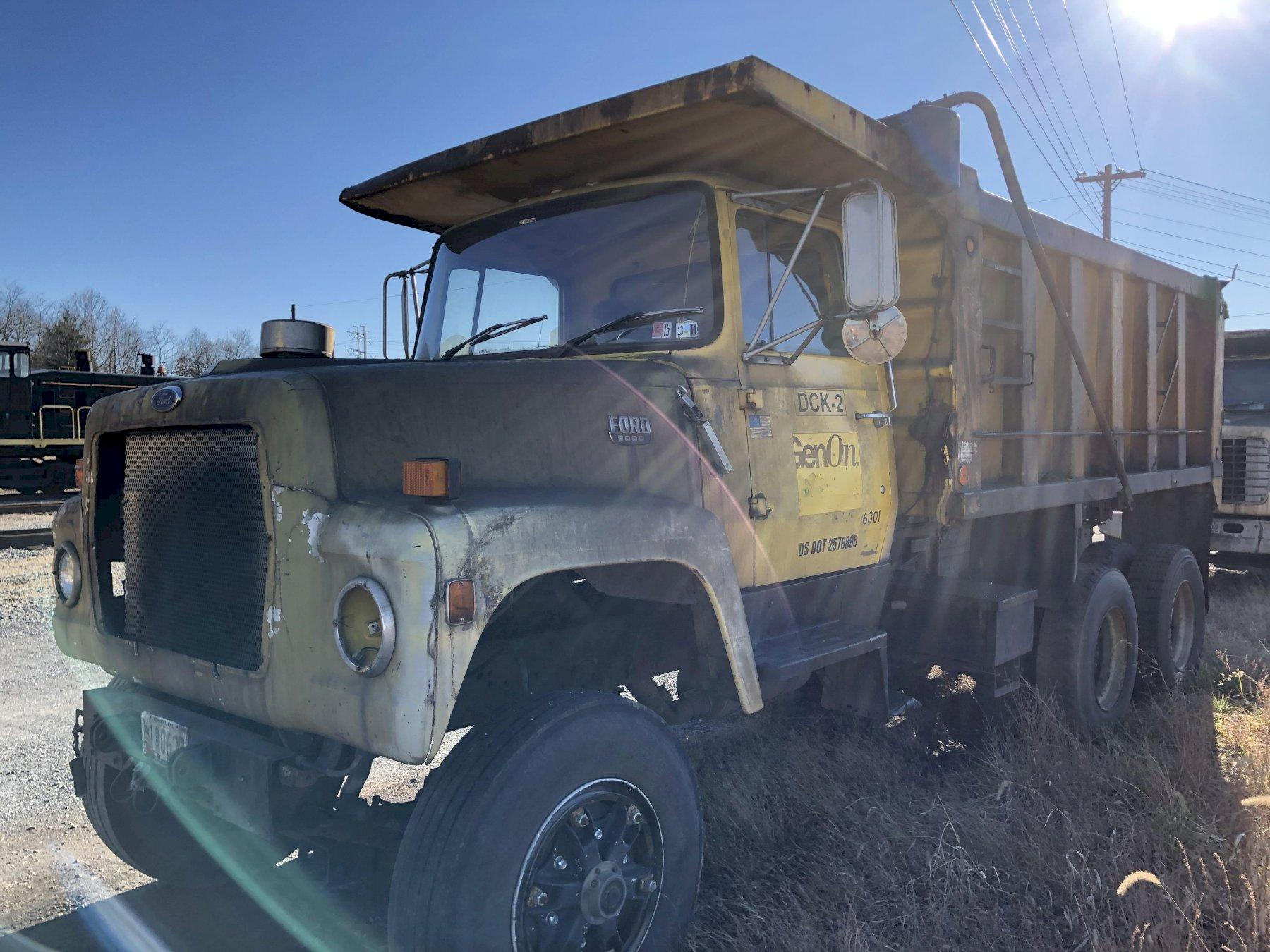 Ford 8000 diesel powered dump truck vin# 1fdyu80u9fva58060 with 15' dump body, 55856 miles