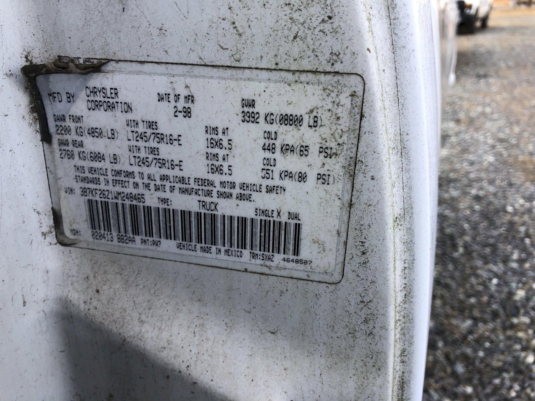 1998 Dodge ram2500 v8 pickup truck vin# 3b7kf26z1wm248465