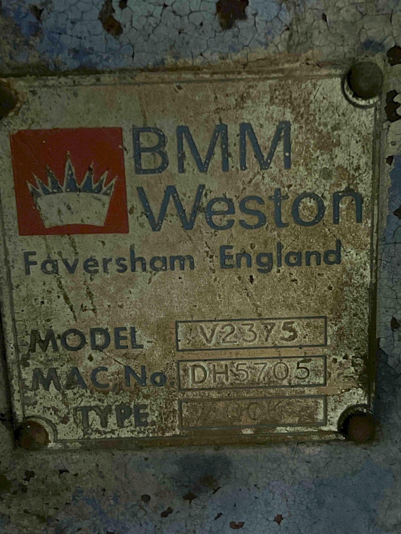 BMM MODEL QCK 2375 JOLT SQUEESE MOLDING MACHINE S/N DH-7540, MODEL V-2669