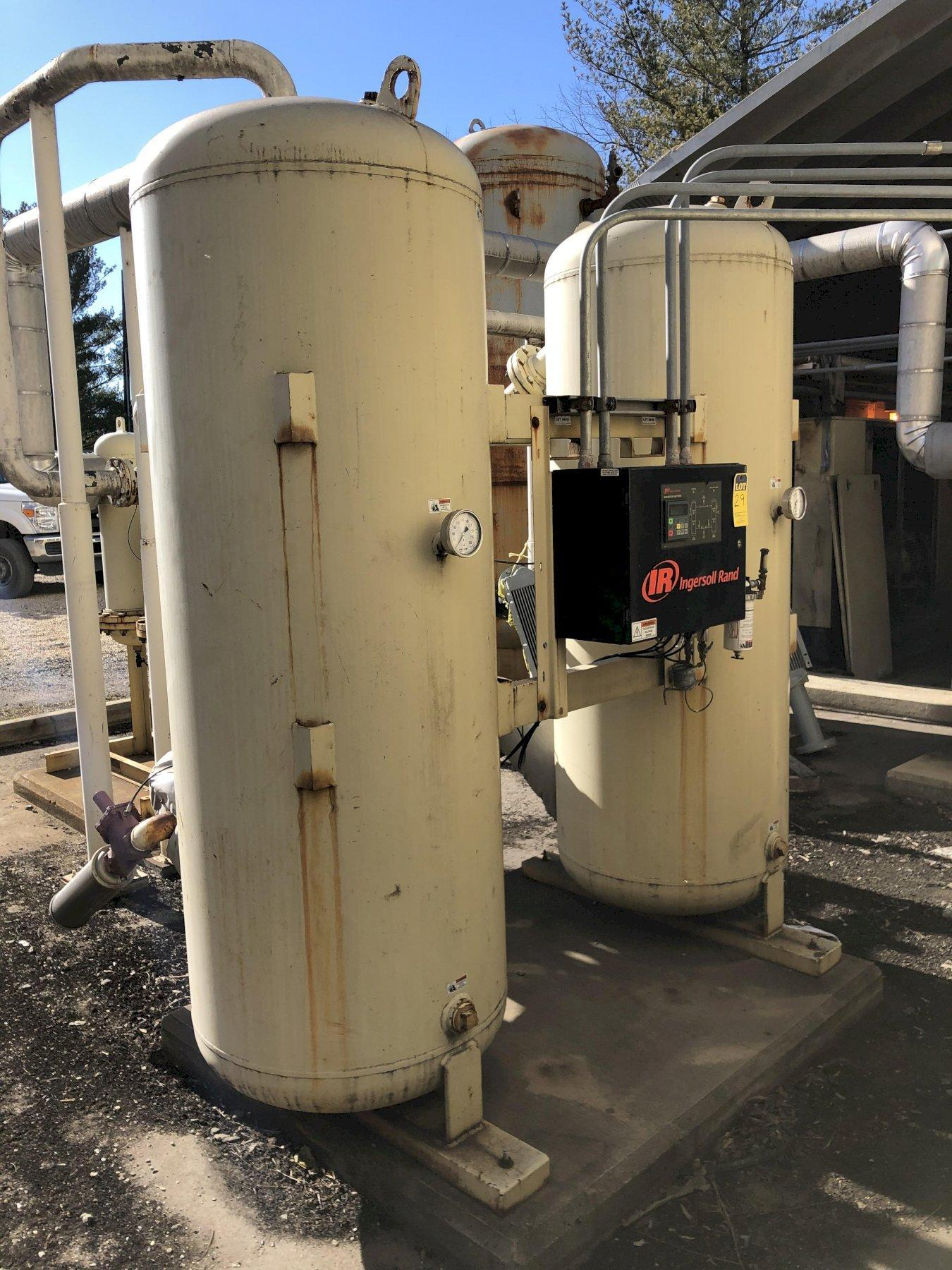 Ingersol Rand model hl18001heoas desiccant air dryer s/n 298397 rated at 1800 cfm