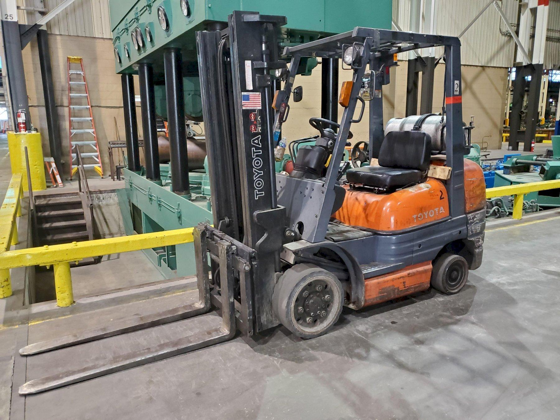 TOYOTA, No. 42-6FGCV30 FORK LIFT   Our stock number: 114785