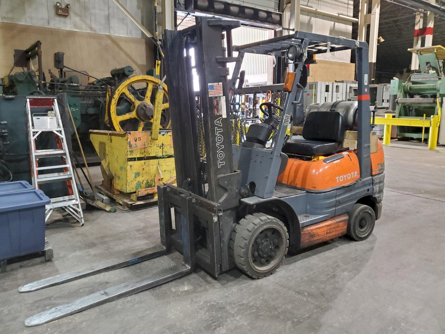 TOYOTA, No. 42-6FGCV30 FORK LIFT   Our stock number: 114784