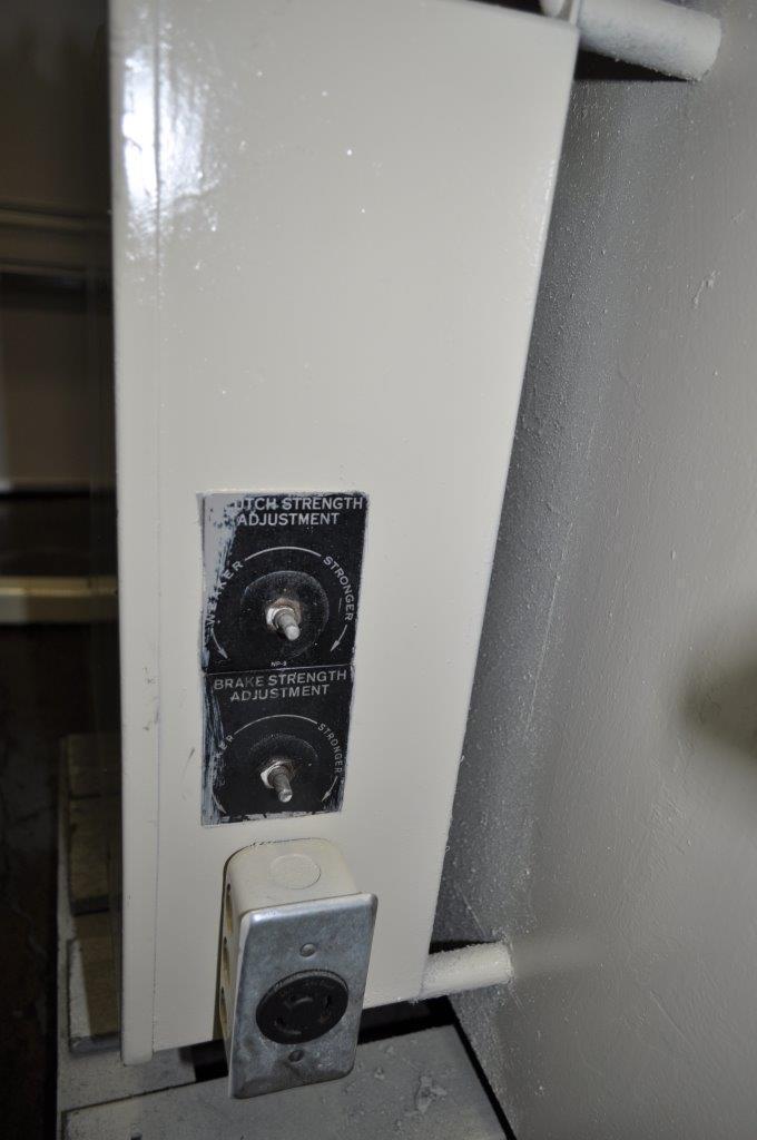 "3000 LB x 15"" x .125"" Rowe Coil Cradle Straightener"