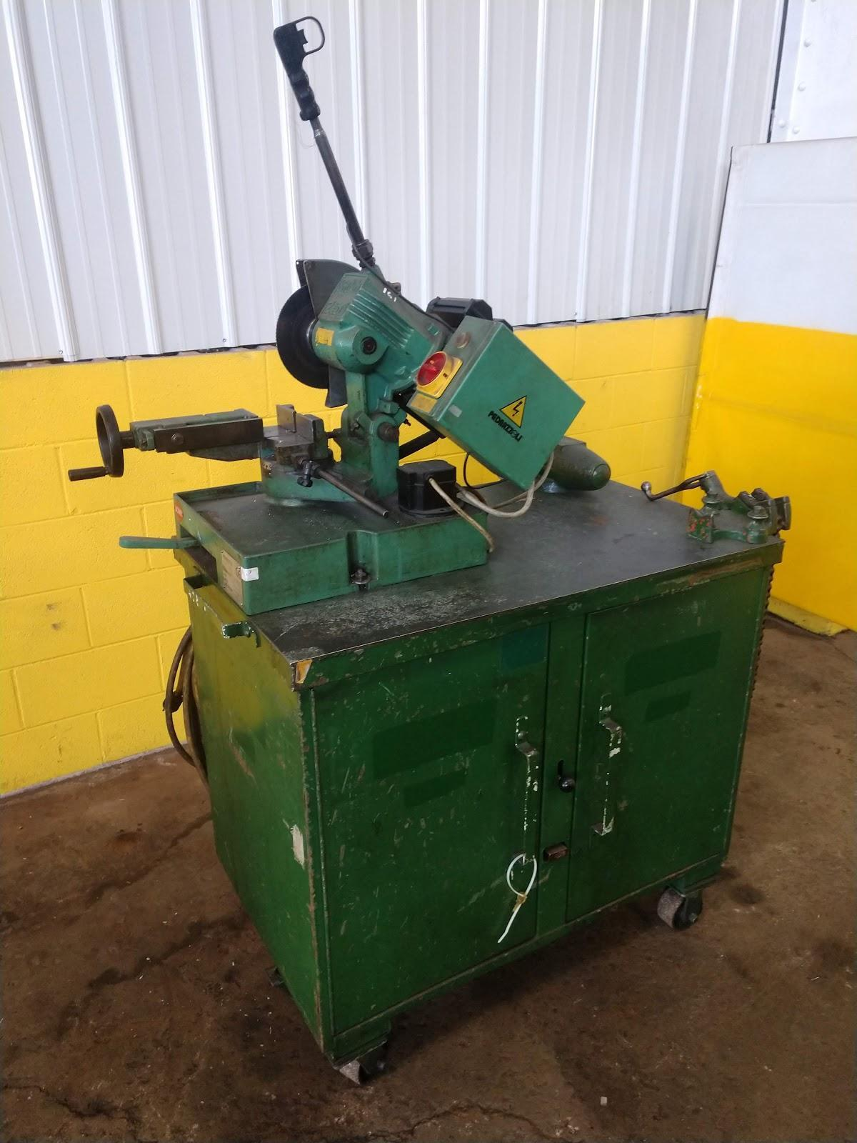 BROWN MODEL #250 ABRASIVE PIPE SAW ON PORTABLE TOOL BOX: STOCK #13040