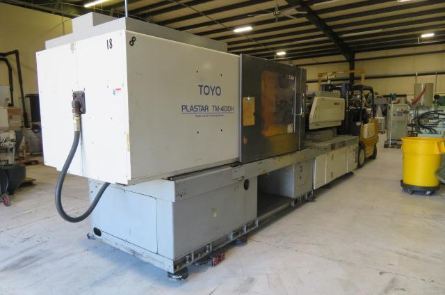 Toyo Used TM400-H Injection Molding Machine, 400 US ton, Yr. 1998, 47 oz.