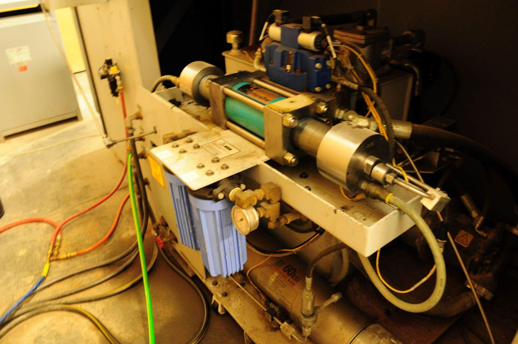 FLOWFlow Mach 3 1313b Dynamic CNC Waterjet Cutting System - 2011