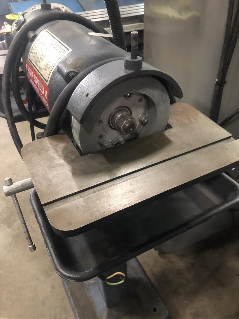 """BALDOR DOUBLE END CARBIDE GRINDER WITH TWO 6"""" WHEELS AND SWIVEL TABLE"""
