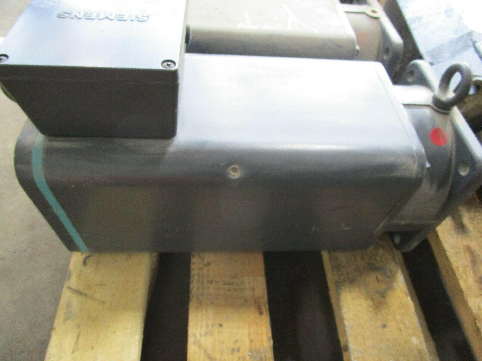 Siemens Servo Motor 1FT5106-0AF21-2-Z Cincinnati Milacron Part# 1-606-4703