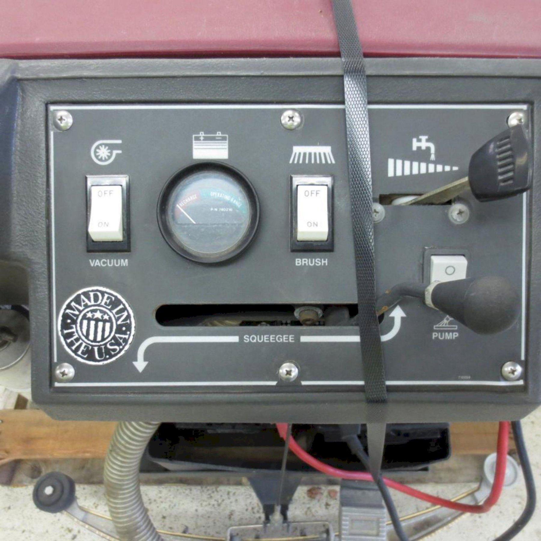 20' MINUTEMAN ELECTRIC FLOOR SCRUBBER: STOCK #73445