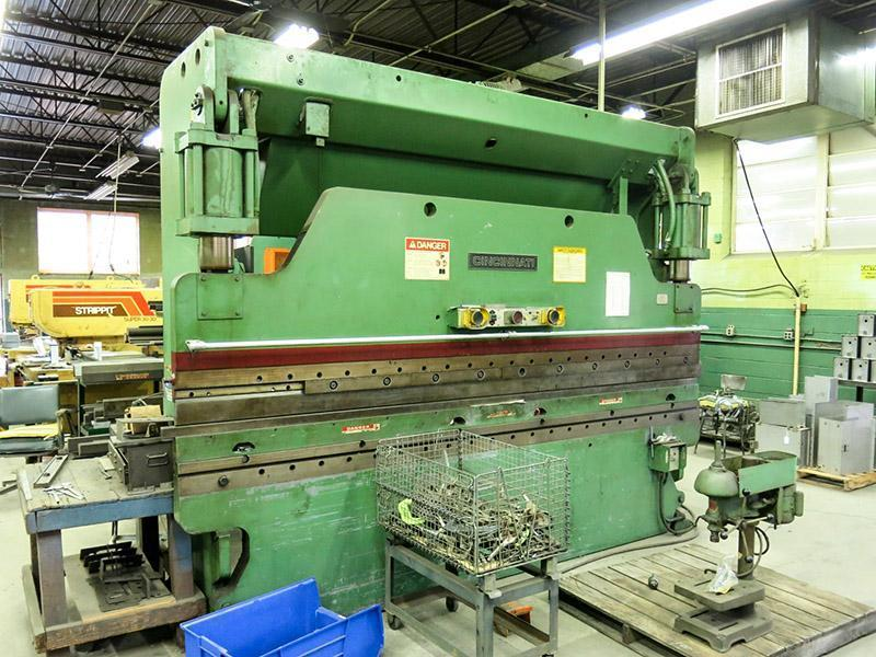 135 Ton x 12 Ft Cincinnati Hydraulic Press Brake Model 135CB10