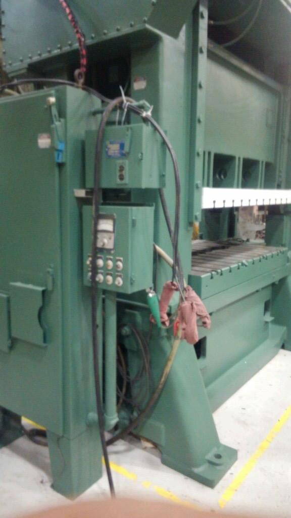 200 Ton MINSTER SC2-200-72-42 Hevi-stamper Straight Side Press