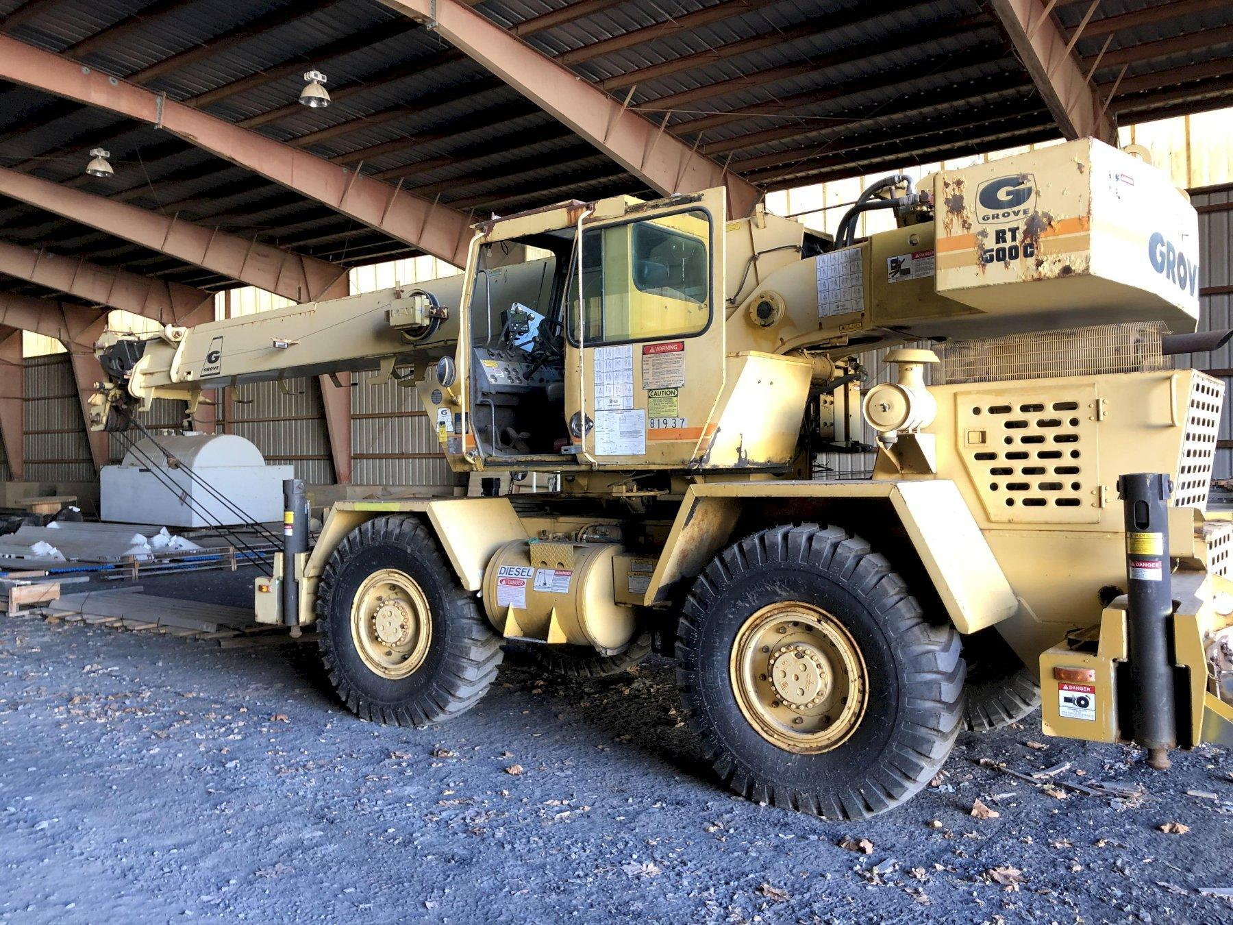 grove model rt528l mobile hydraulic crane s/n 70288 with new tires, 16 hours on meter
