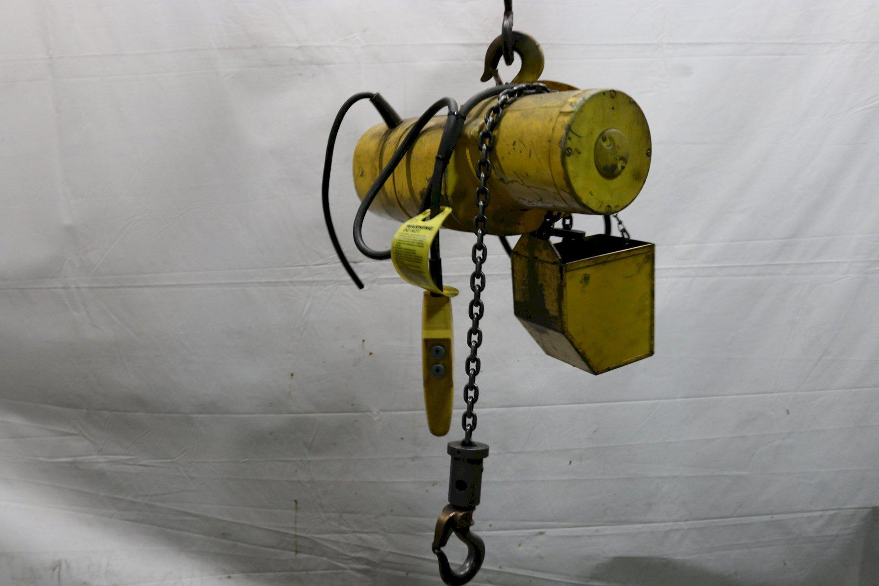 1/4 TON BUDGIT ELECTRIC POWERED CHAIN HOIST: STOCK #12001