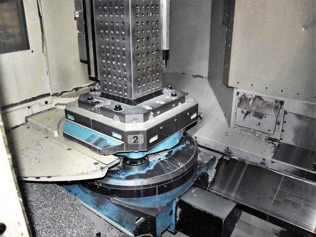 Makino a71 CNC Horizontal Machining Center - 2005