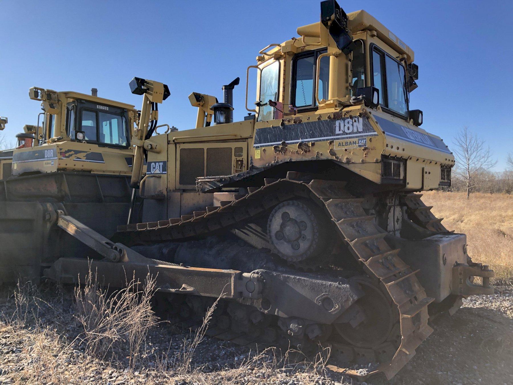 Caterpillar model d8n track mounted bulldozer s/n 5tj75010 with blade, 3408 engine s/n ?, 21740 hours, rebuilt 2007 new s/n stj00620