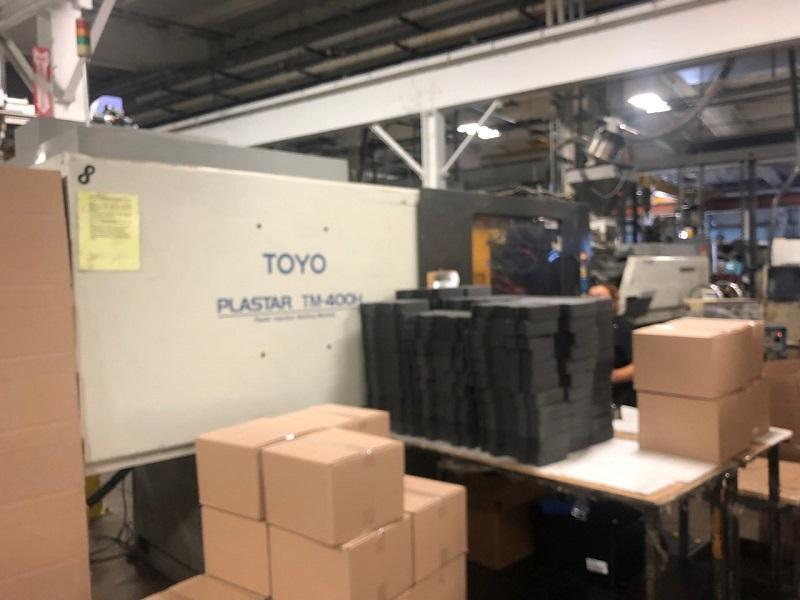 Toyo Used TM400-H Injection Molding Machine, 400 US ton, Yr. 1998, 47 oz.