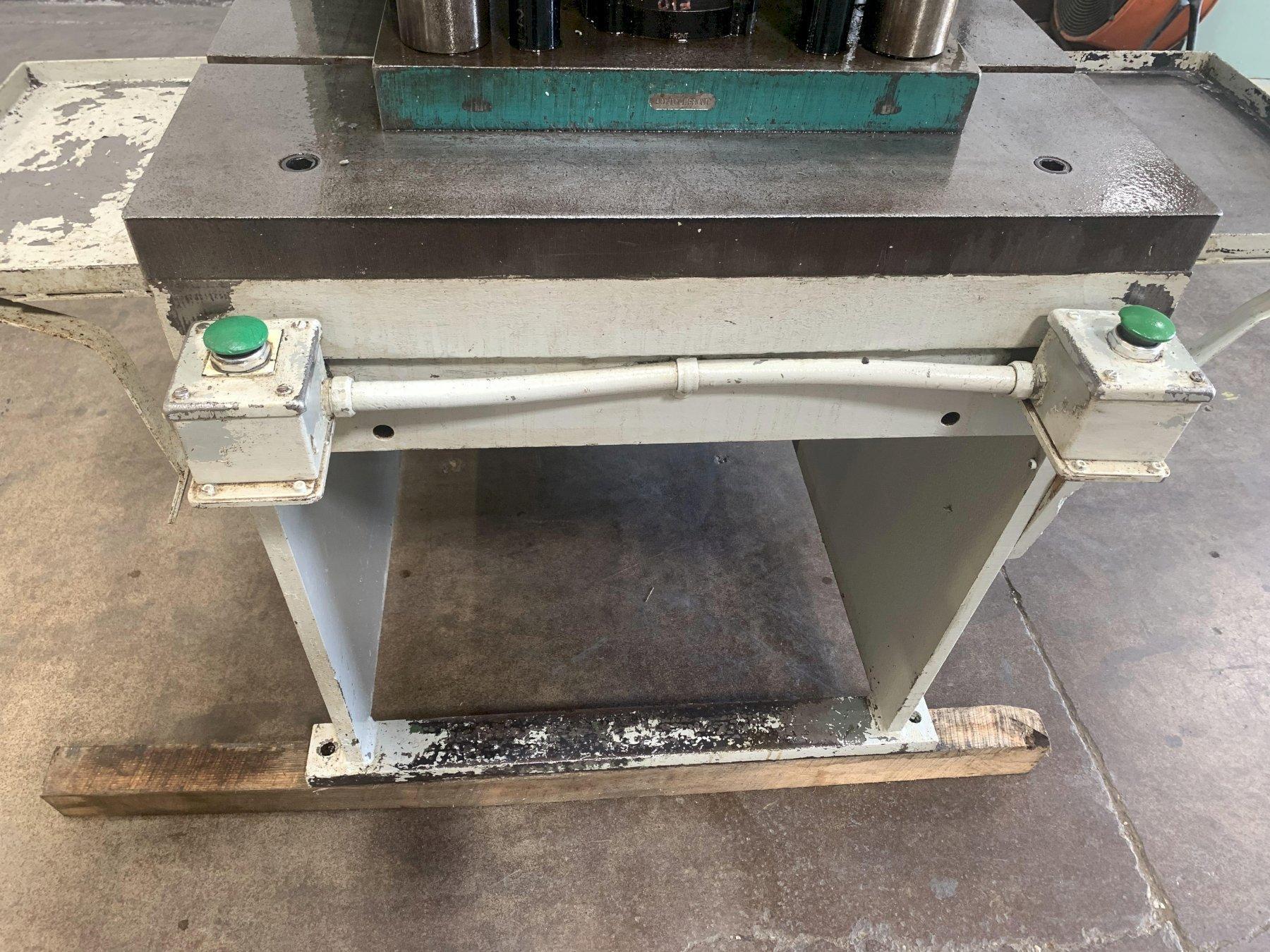 35 Ton Denison Model FL-35-30H Floor Type C-Frame