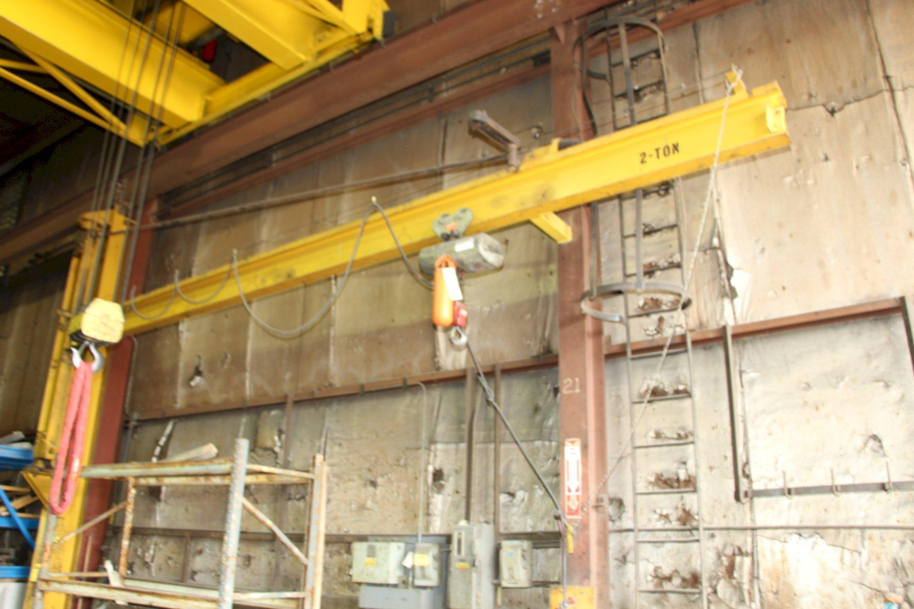 2 TON C&M LOADSTAR POWER CHAIN HOIST: STOCK #11234