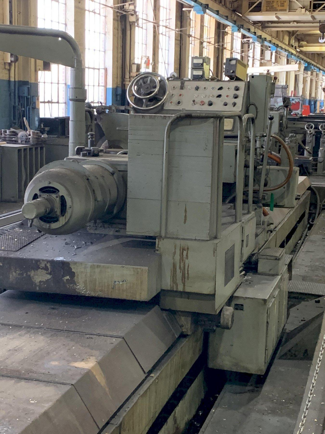 """40"""" x 393"""" WALDRICH ROLL GRINDER, Model WSIII40, 29"""" Face Plate, 21"""" 4-Jaw Chuck, Crowning, 30"""" x 4"""" Wheel Size, Filtrations and Chip Separator, New 1965."""