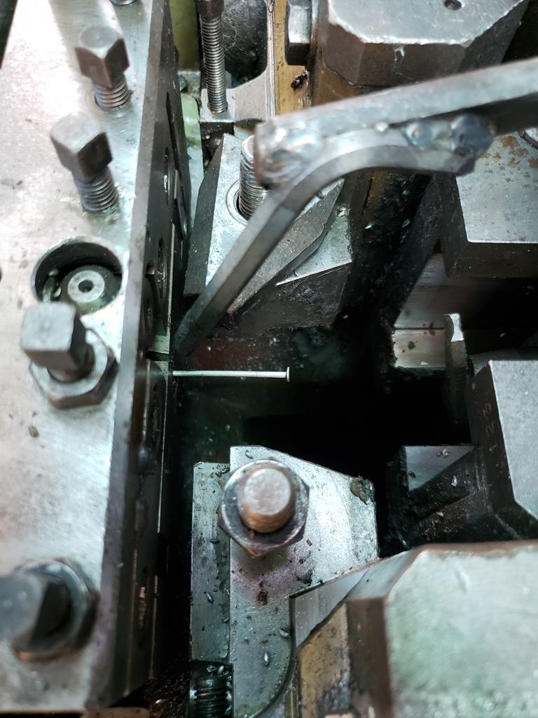 Vitari V17R Nail Machine