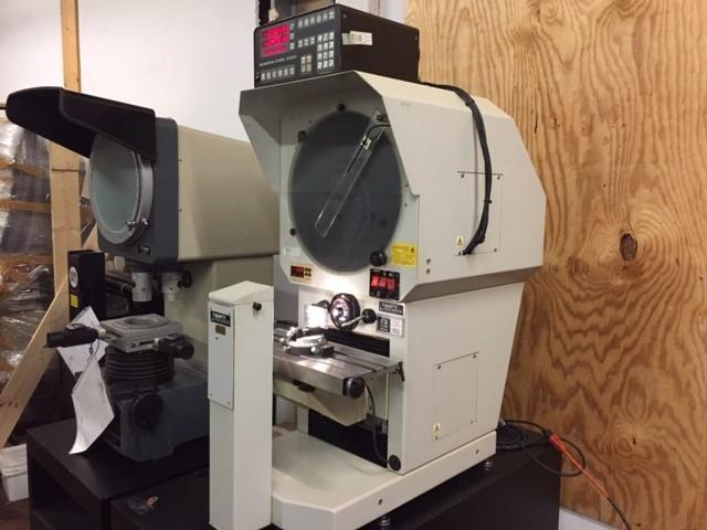 "16"" Baty Gagemaster Model 39/GMX Bench Top Optical Comparator, S/N 1427."