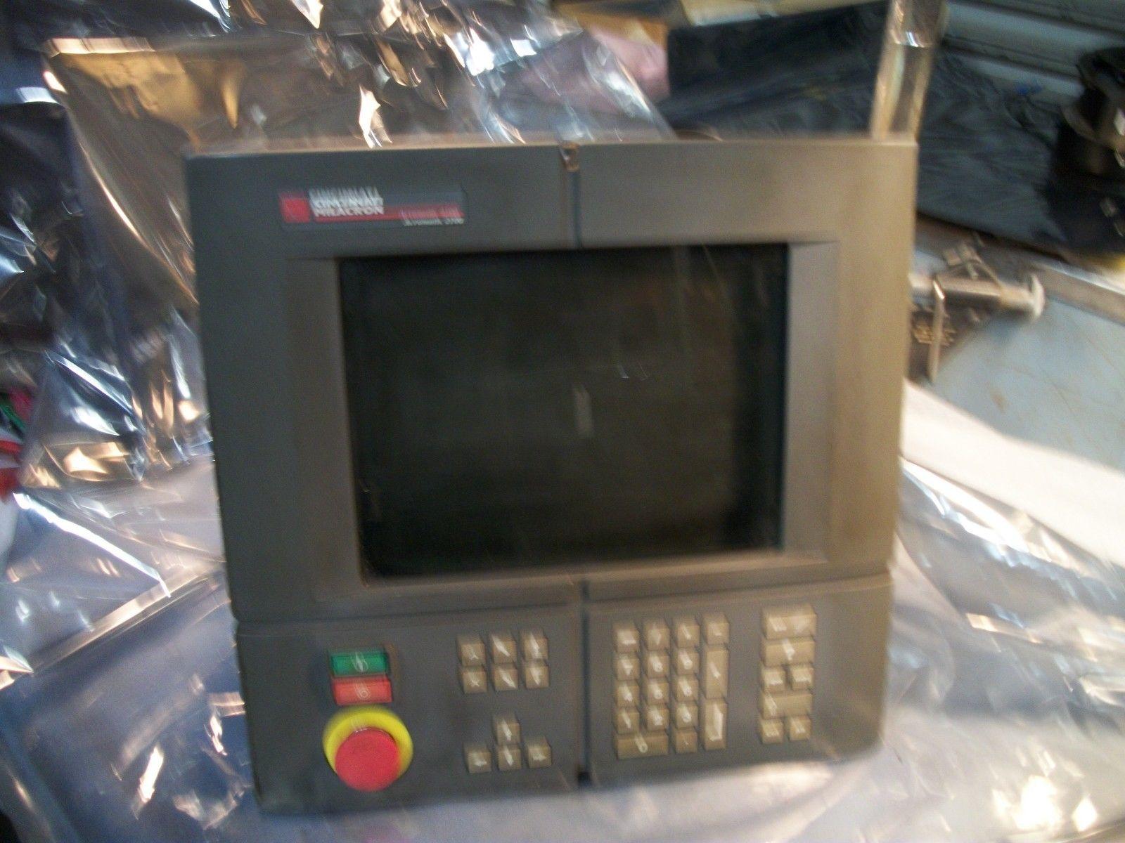 Siemens Cincinnati Acramatic 2100 Operator Station with CRT 1-424-2135