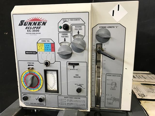 "SUNNEN HORIZONTAL HONE, Model EC-3500, 6.5"" Max Diameter, 6.7"" Stroke Length, Power Stroke, 3000 RPM, Auto Cycles, New 1995."