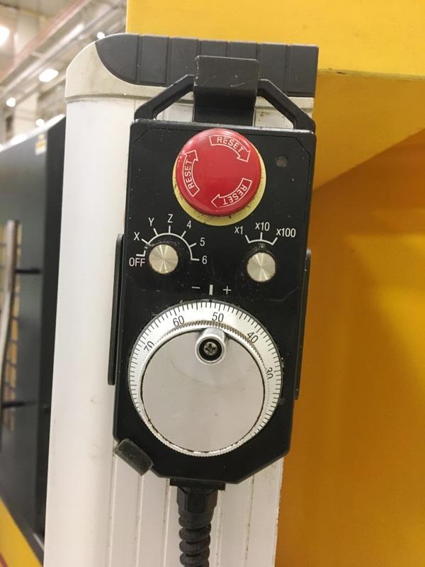 """CINCINNATI CV4020 REVOLUTION 75, Cincinnati CNC Controls, X=39.4"""",Y=23.6"""",Z=23.6"""", 25HP, 10000 RPM, 24 ATC, New 2011."""